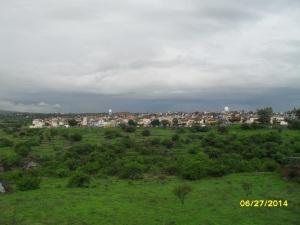 La presita y su entorno, 12. Colonias Infonavit y al fondo rumbo al Cerro Grande